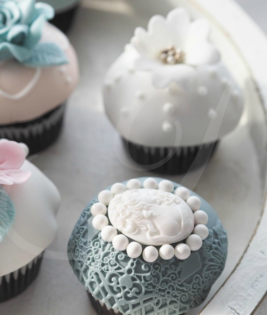 Cupcakes decorate nunta