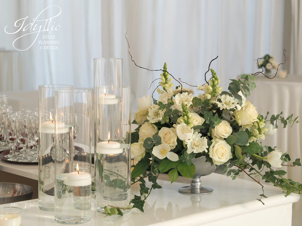 aranjament floral vaza argintie