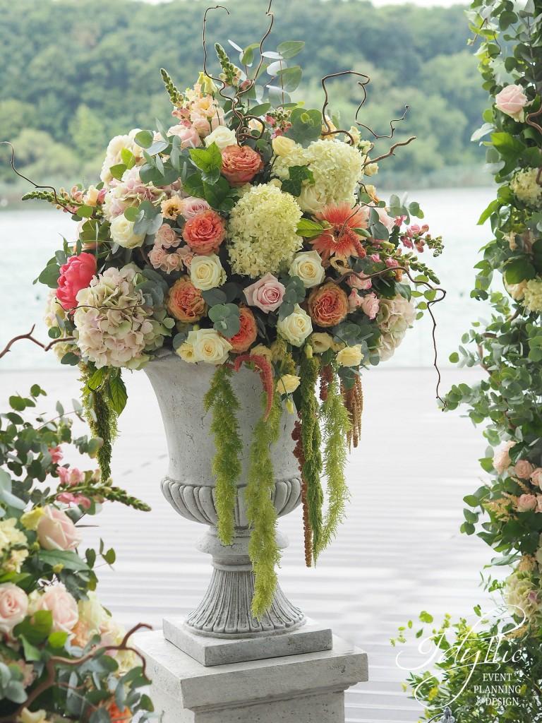 Aranjament floral ghiveci mare
