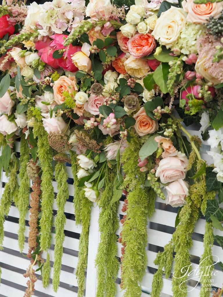 Photocorner decorat cu flori naturale by Idyllic Events