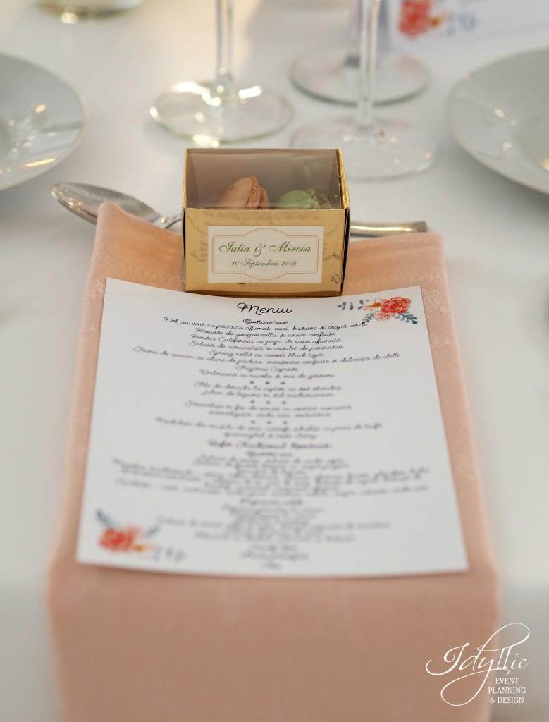 Marturie nunta macarons by Idyllic Events