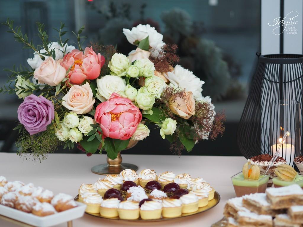 Aranjament floral candy bar idyllic