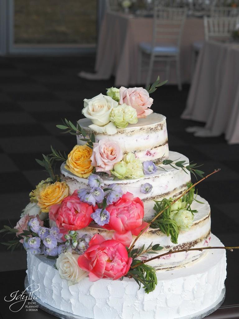 Tort nunta idyllic