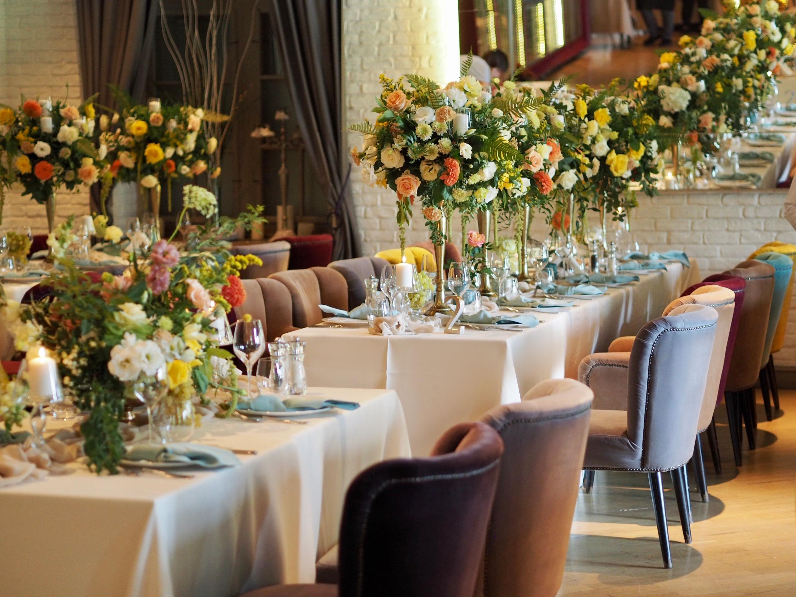 Aranjamente florale botez restaurant Diplomat