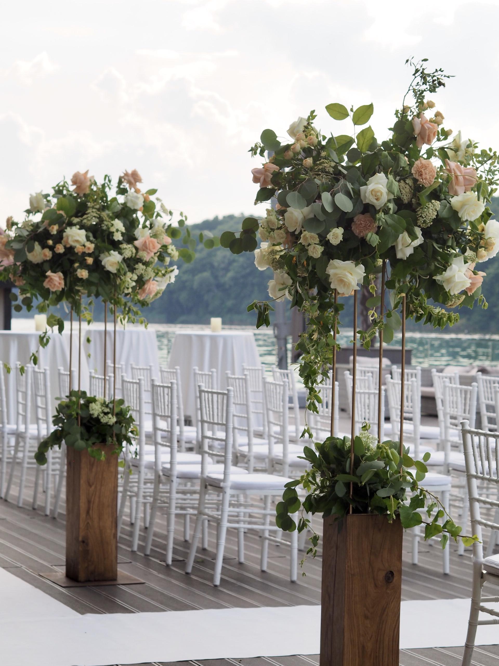 Aranjamente florale ceremonie religioasa nunta